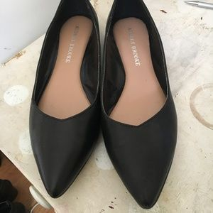 Black Pointed Flats Size 7.5